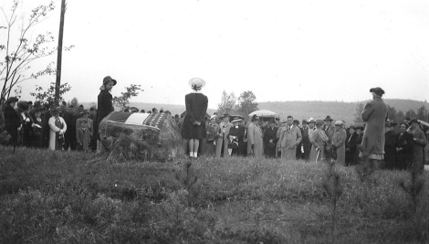 1940 dedication ceremony of the Penny Pine forest.  See the pines in the foreground?  Photo courtesy NH Parks & Recreation.