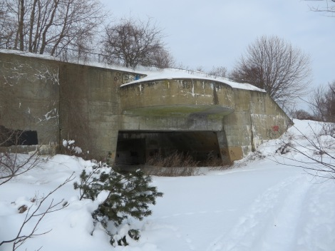 Old World War II batteries used to defend Portsmouth harbor